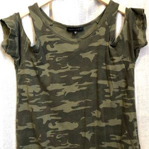 Camo Cold Shoulder Tee - Sanctuary